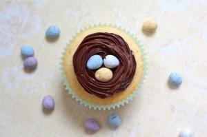 Simple Easter Cupcake
